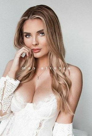 Milca massage escorte girl